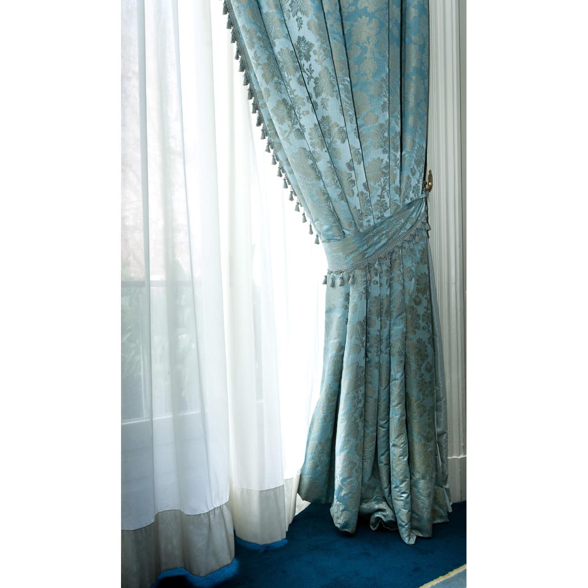 Deux paires de rideaux bleus et grisLote de 2 parejas de cortinas